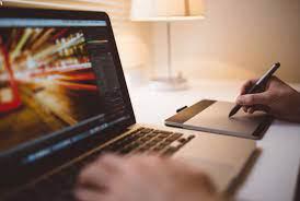 Manfaat Teknologi Dalam Seni Grafis dan Merancang